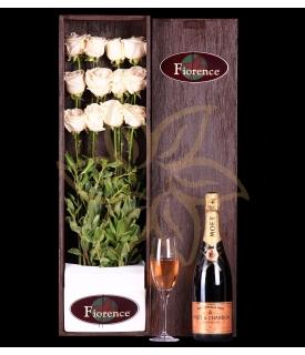 Caja de madera con Rosas Blancas