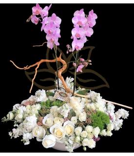 Rosas Lisianthus y Orquídea
