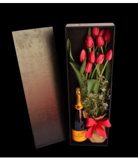 Caja de Tulipanes Rojos y...